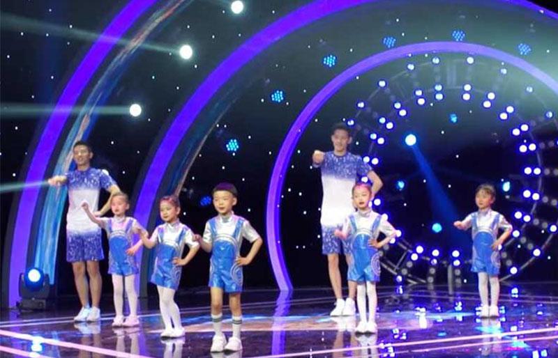 八八空间儿童舞蹈视频《白龙马》在CCTV-15《广场舞金曲》节目播出