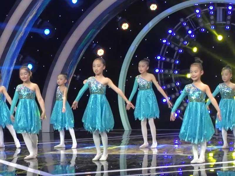 八八空间学员儿童舞蹈视频《明天会更好》CCTV-15《广场舞金曲》播出