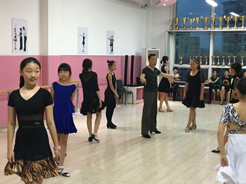 集训开始!八八空间备战第十届北京市体育大会体育舞蹈比赛!